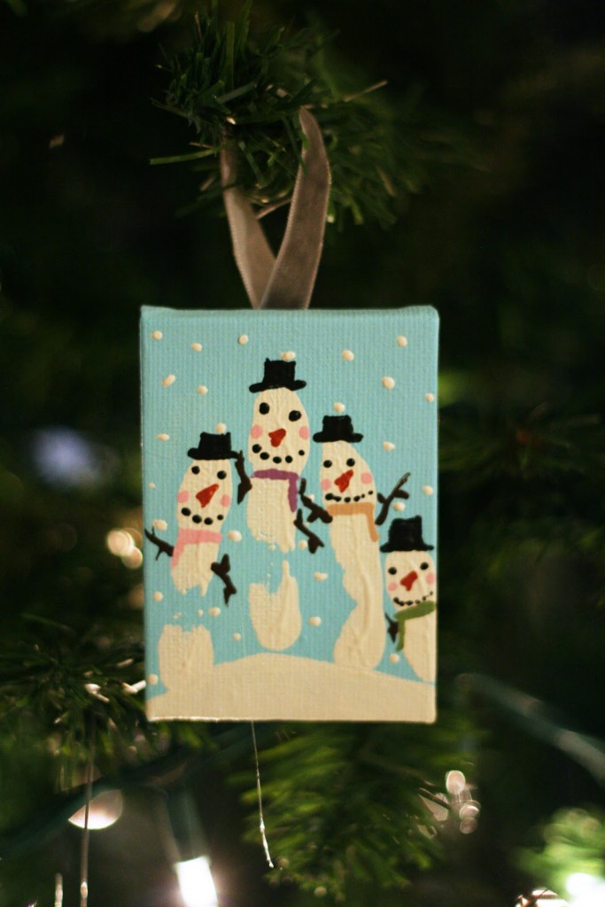 Over 20 Christmas Hand and Footprint Ideas - The Keeper of ...