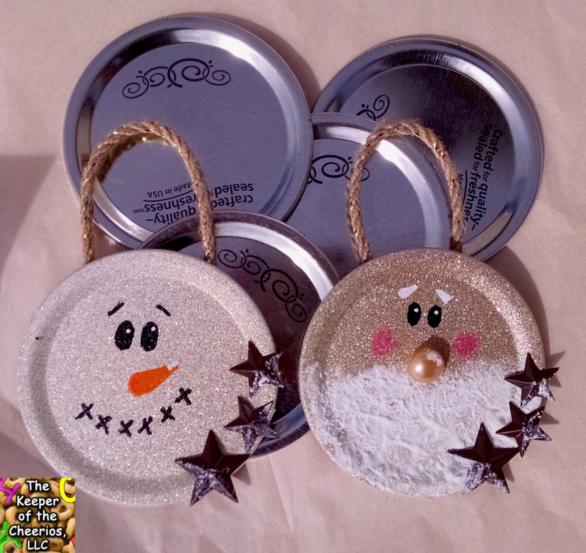 mason-jar-lid-christmas-ornaments-3