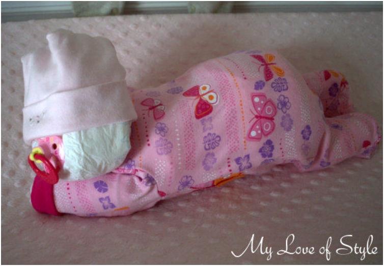 Sleepin-Baby-Diaper-Cake