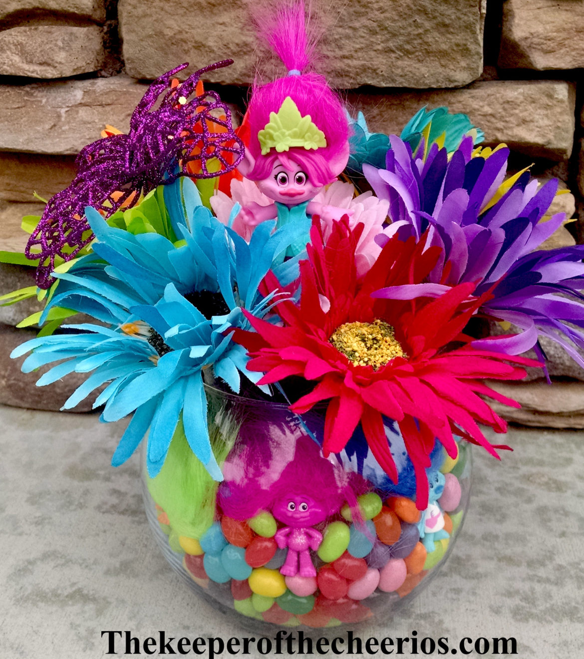 TROLLS PARTY CENTERPIECE IDEA