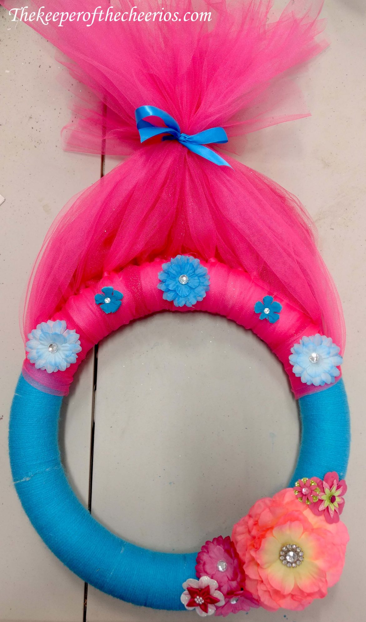 Rubber Wedding Band >> Trolls Party Wreath