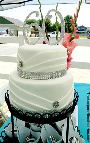 wedding anniversary cake smm