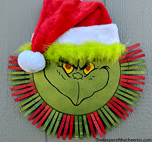 grinch clothespin wreath sm