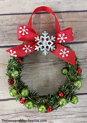 mason jar lid wreath sm