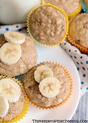 banana oat muffin smm