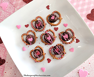 rolo pretzel hearts smm