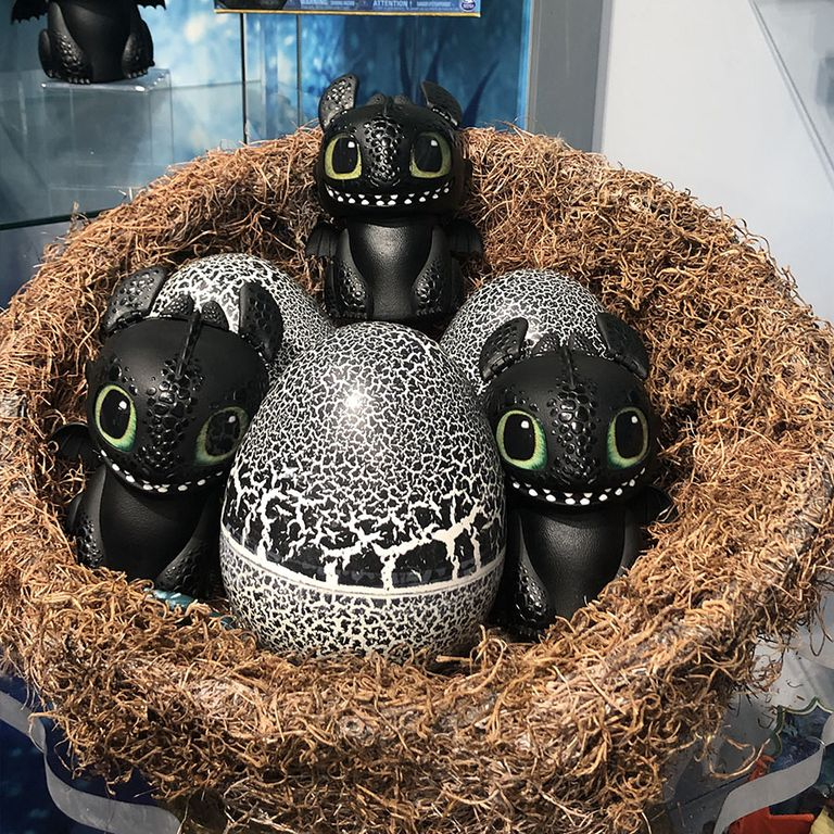 dreamworks-dragons-hatching-dragon-toothless-1550677768