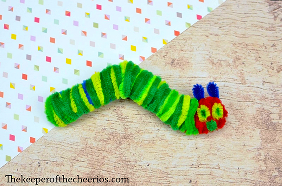 hungry-caterpillar-craft-sticks-4