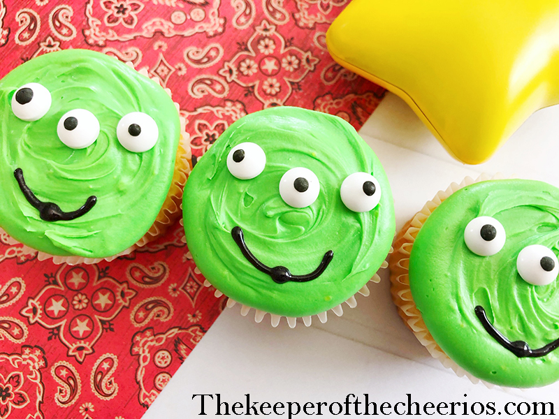 alien-cupcakes-1