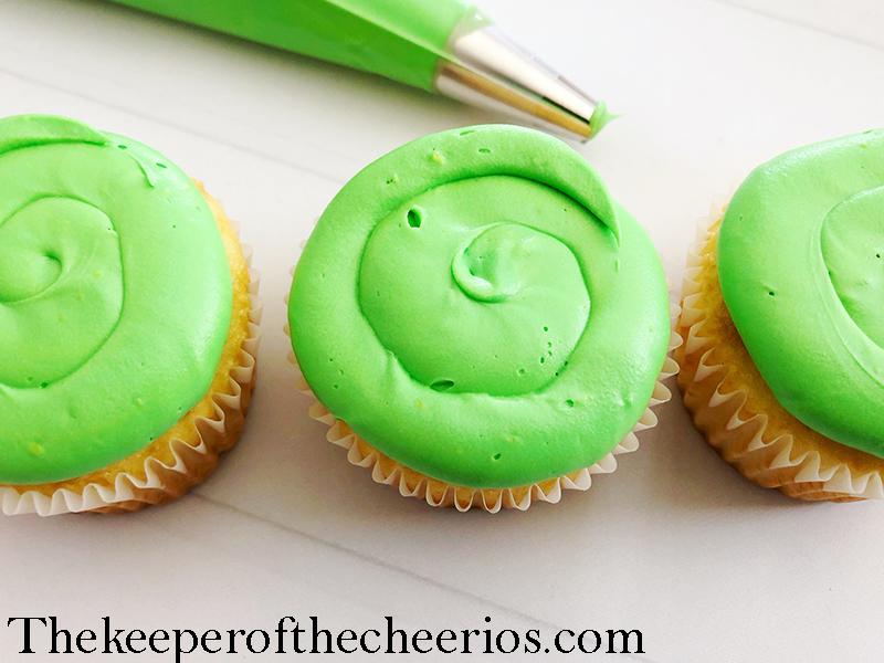 alien-cupcakes-6