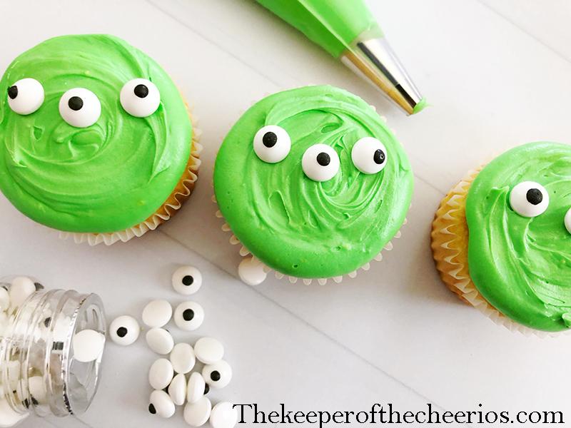 alien-cupcakes-7