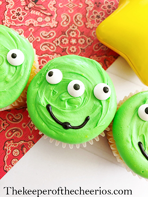 alien-cupcakes-smm