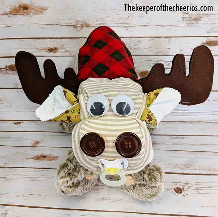 moose-diaper-cake