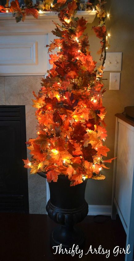 easy-diy-fall-leaves-potted-topiary-tree-from-a-tomato-cage-crafts-repurposing-upcycling-seasonal-holiday-decor