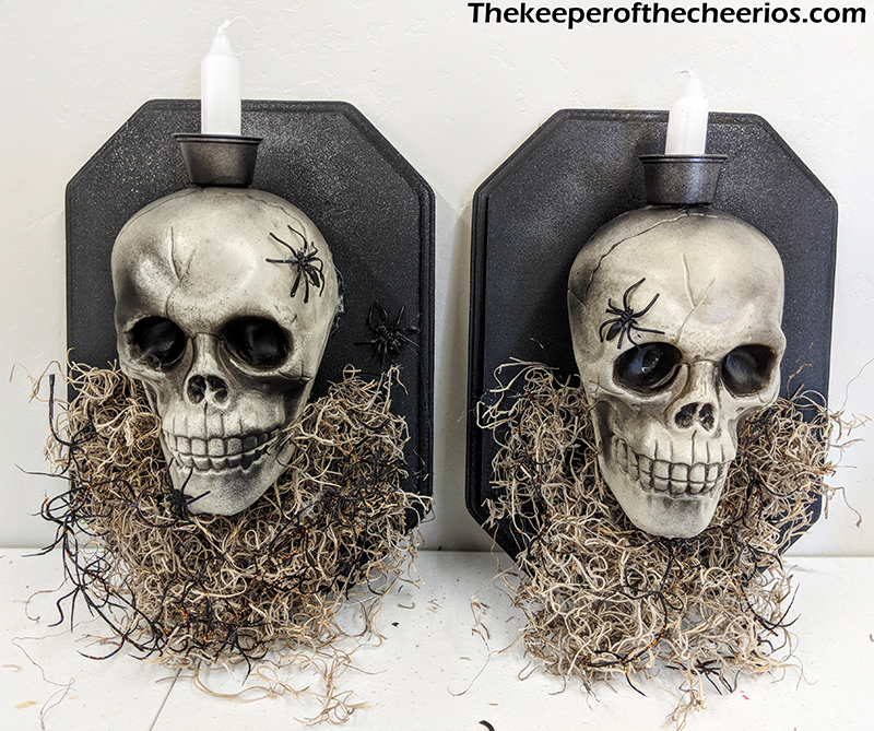 halloween-skull-wall-sconces-7