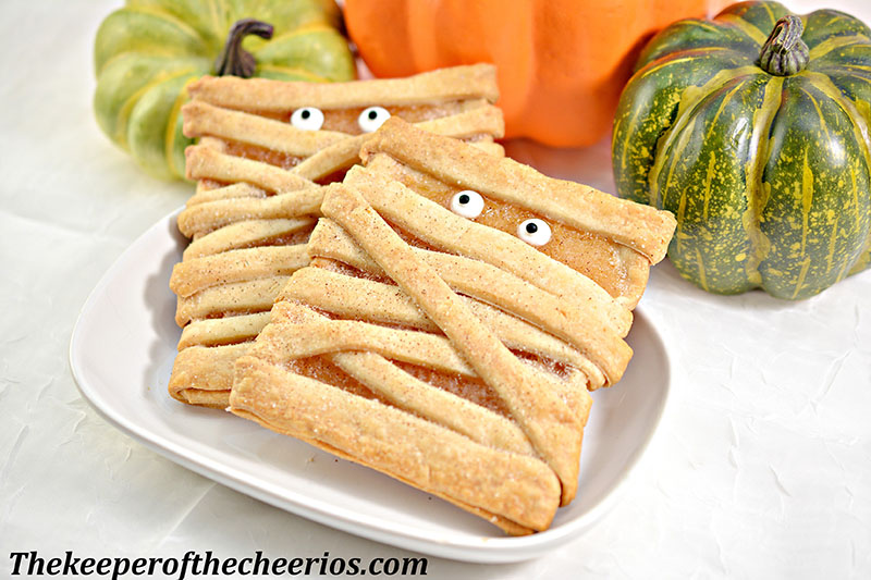 mummy-fruit-pastries-11