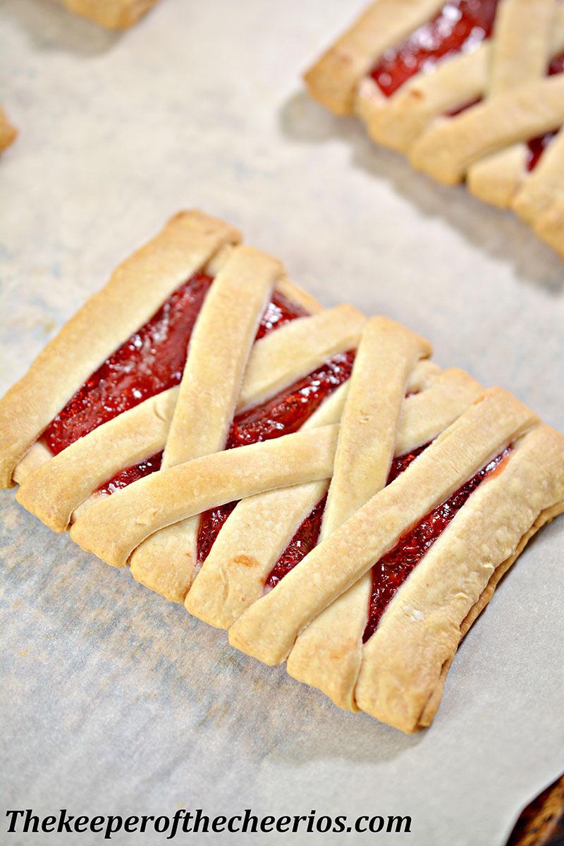 mummy-fruit-pastries-4