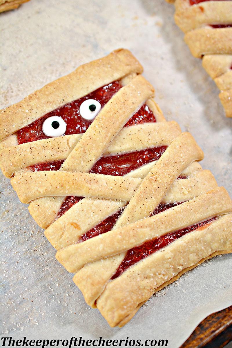 mummy-fruit-pastries-7