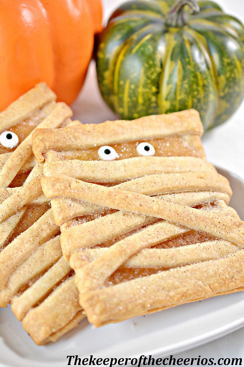 mummy-fruit-pastries-8