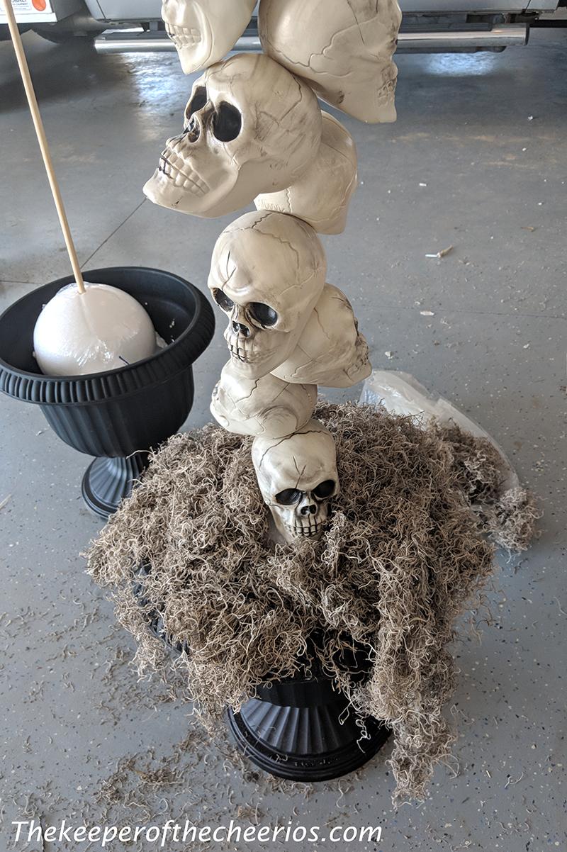 skull-entry-way-pots-6
