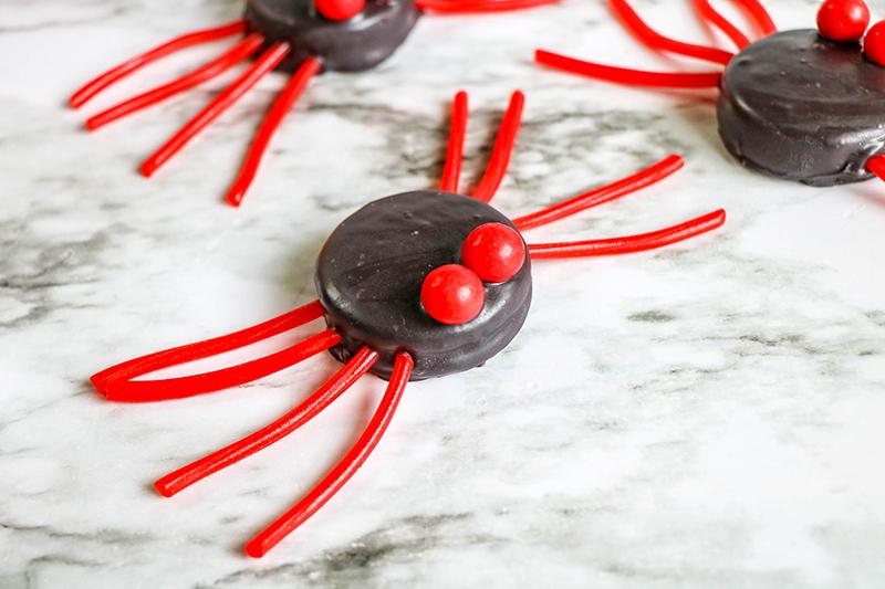 spider-cupcakes-2