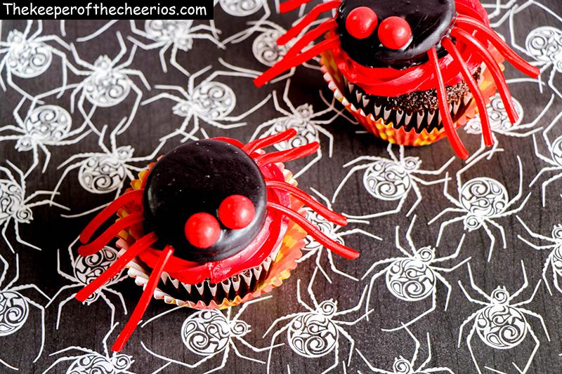 spider-cupcakes-5