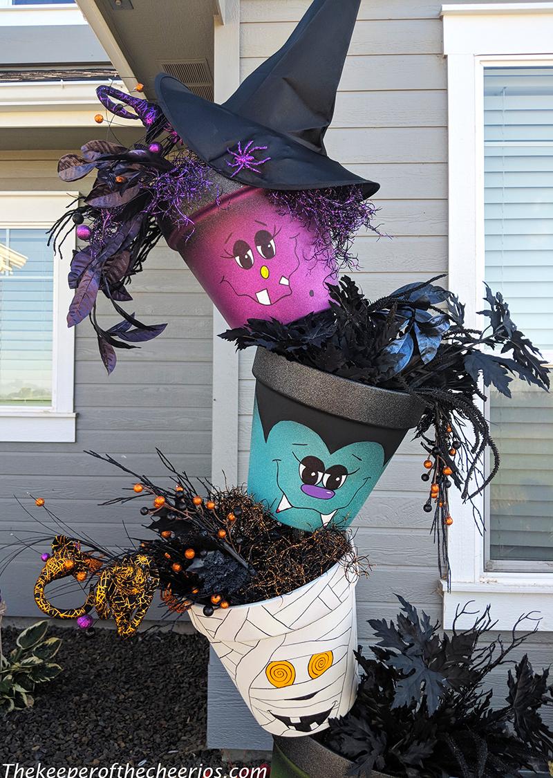 Halloween-topsy-turvy-pots-3-1