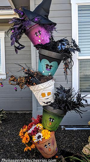 Halloween-topsy-turvy-pots-smm