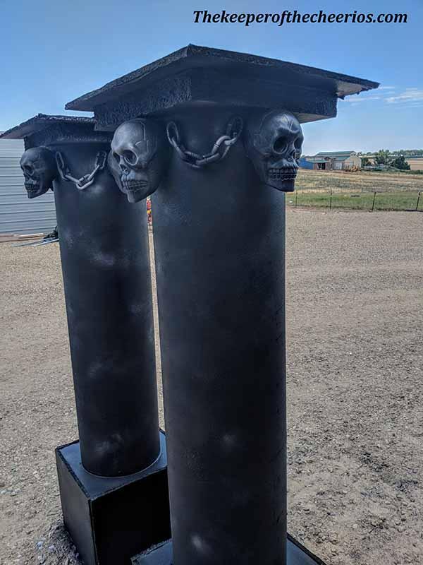 halloween-pillars-12