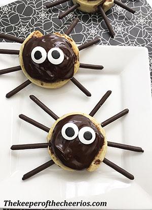 spider-cinnamon-rolls-smmm
