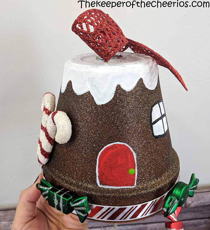 clay-pot-gingerbread-house-windchime-4