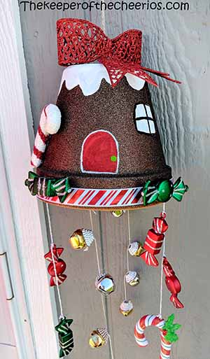 clay-pot-gingerbread-house-windchime-smm