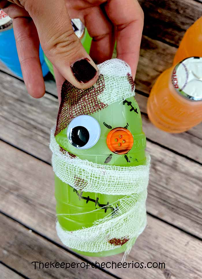 halloween-juice-bottles-5