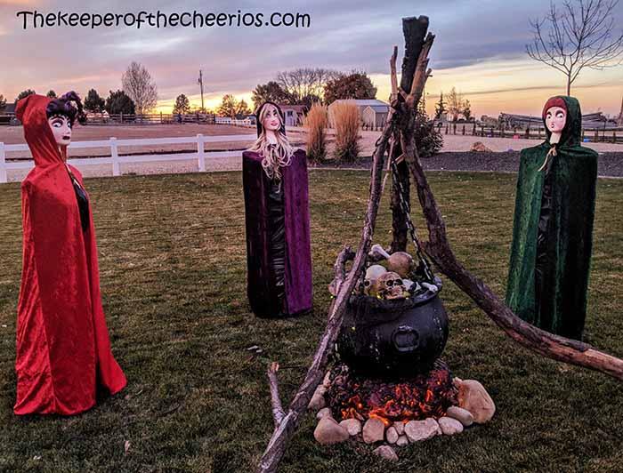 hocus-pocus-tomato-cage-witches-7