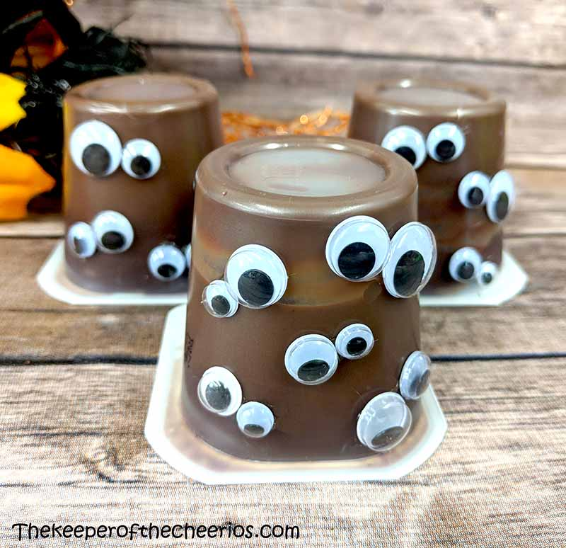 monster-eyes-pudding-cups