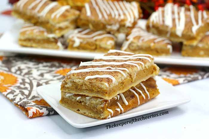 pumpkin-churro-cheesecake-bars-1