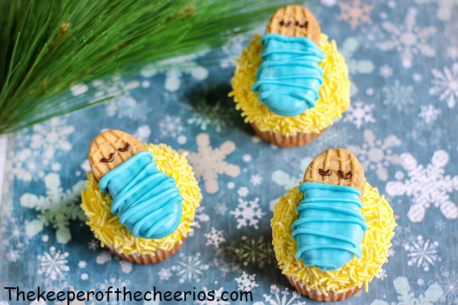 Baby-Jesus-Cupcakes-7