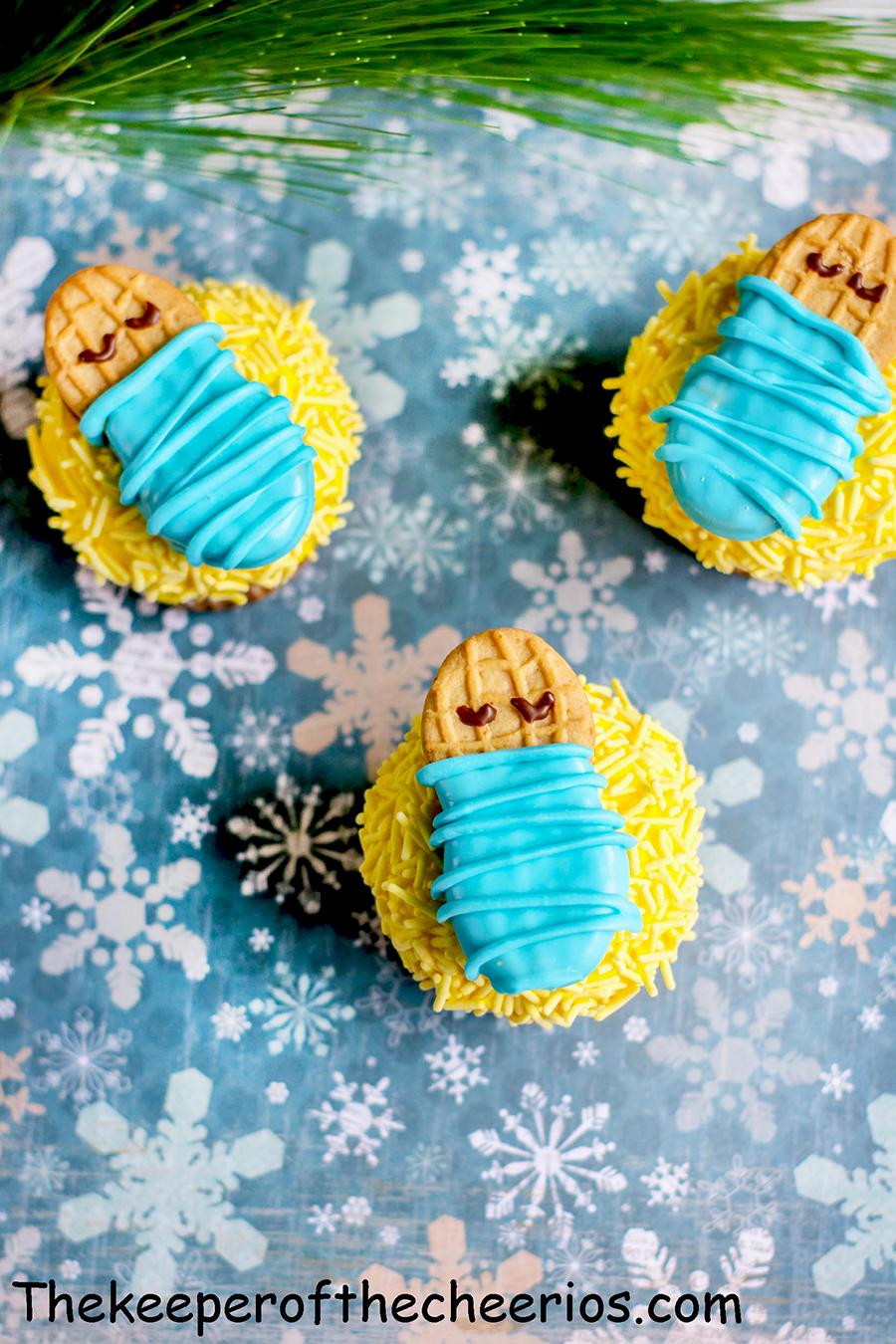 Baby-Jesus-Cupcakes-8