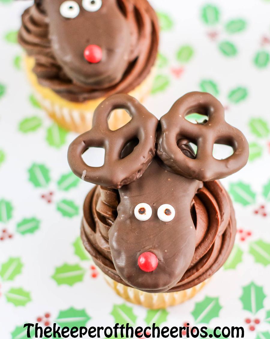 Reindeer-Cupcakes-8