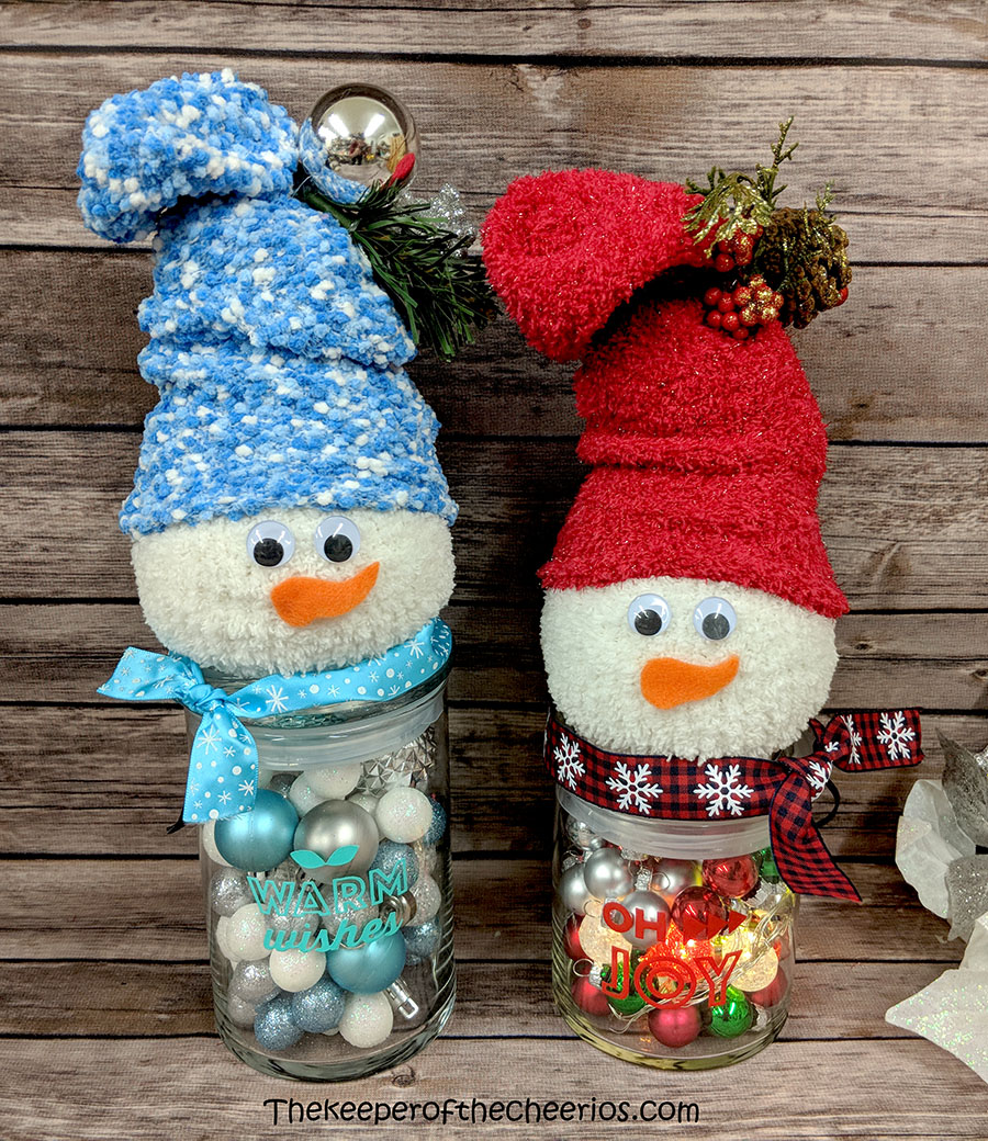 lighted-jar-sock-snowman-10