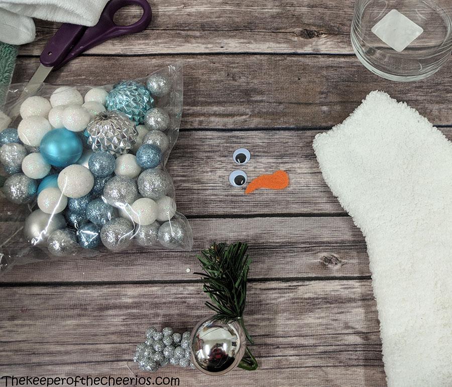 lighted-jar-sock-snowman-2