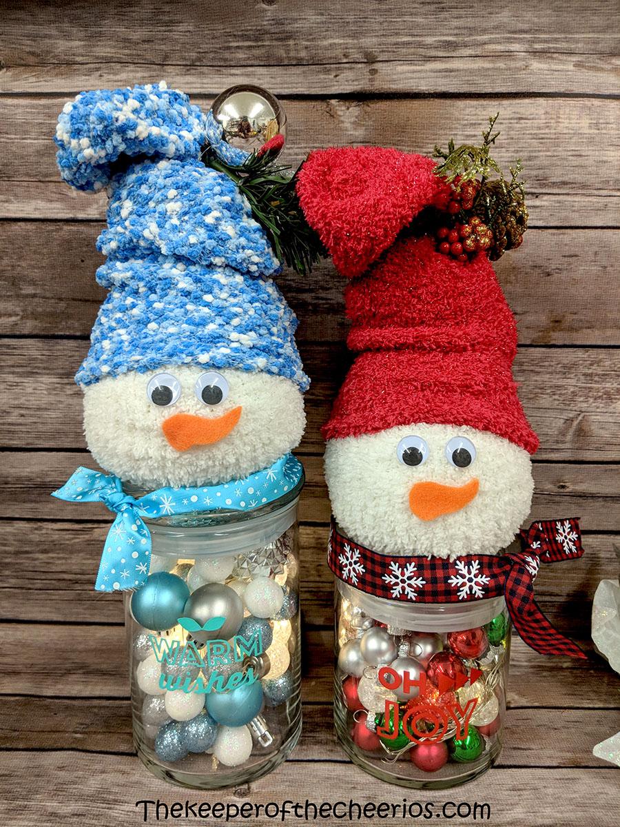 lighted-jar-sock-snowman-9