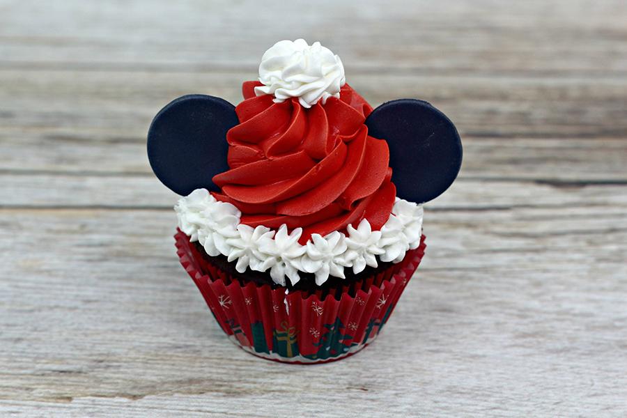 mickey-santa-cupcakes-3