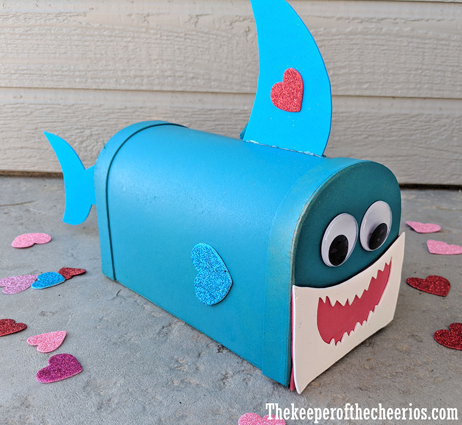 baby-shark-valentines-day-mail-box