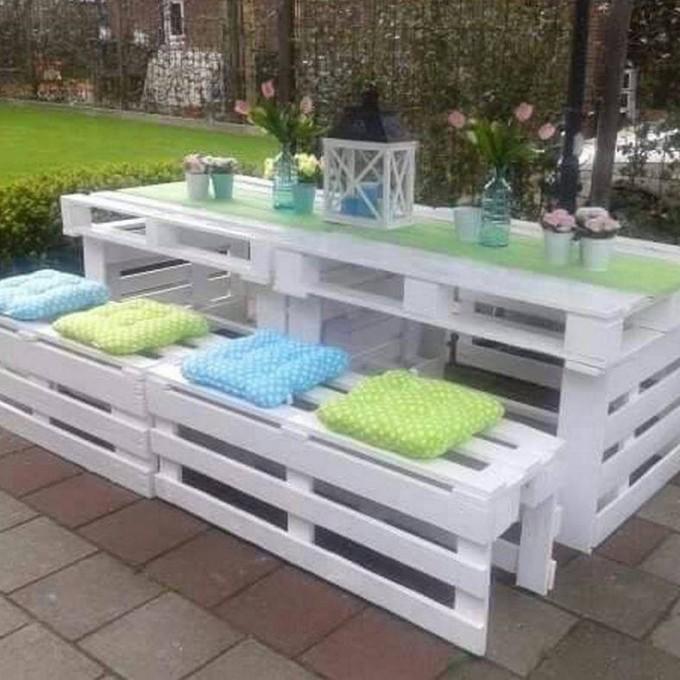 White-patio-pallet-set