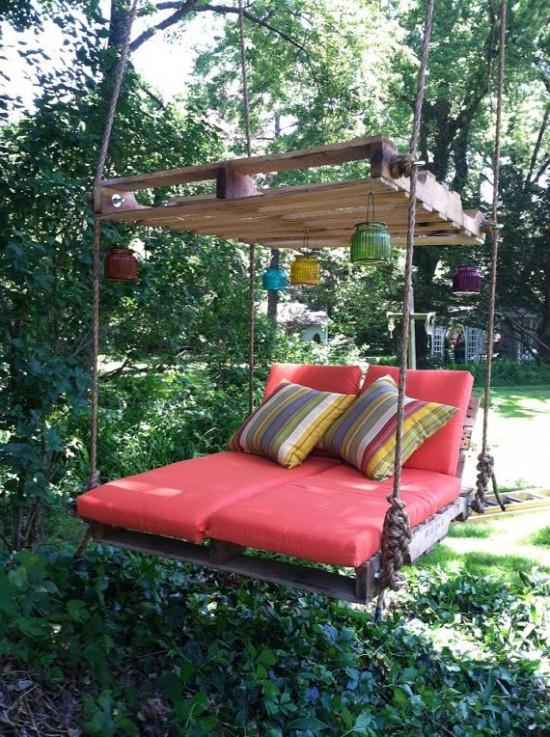 outdoor-pallet-bed-swing