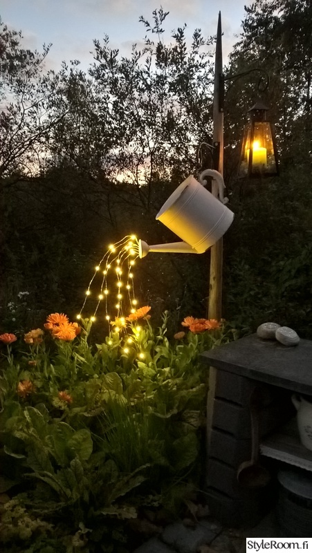 watering-can-waterfall-lights