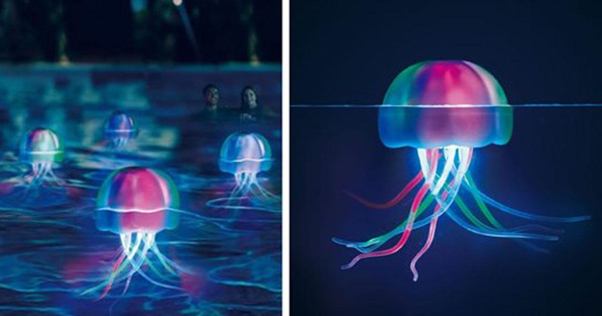 Auqa-Glow-Jellyfish-fbb