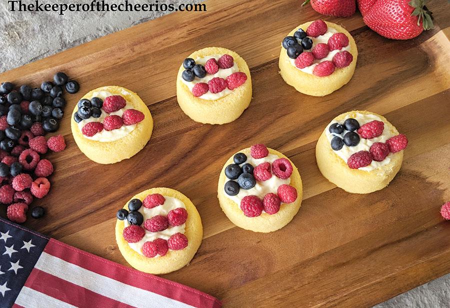 patriotic-cream-cheese-fruit-tart-5