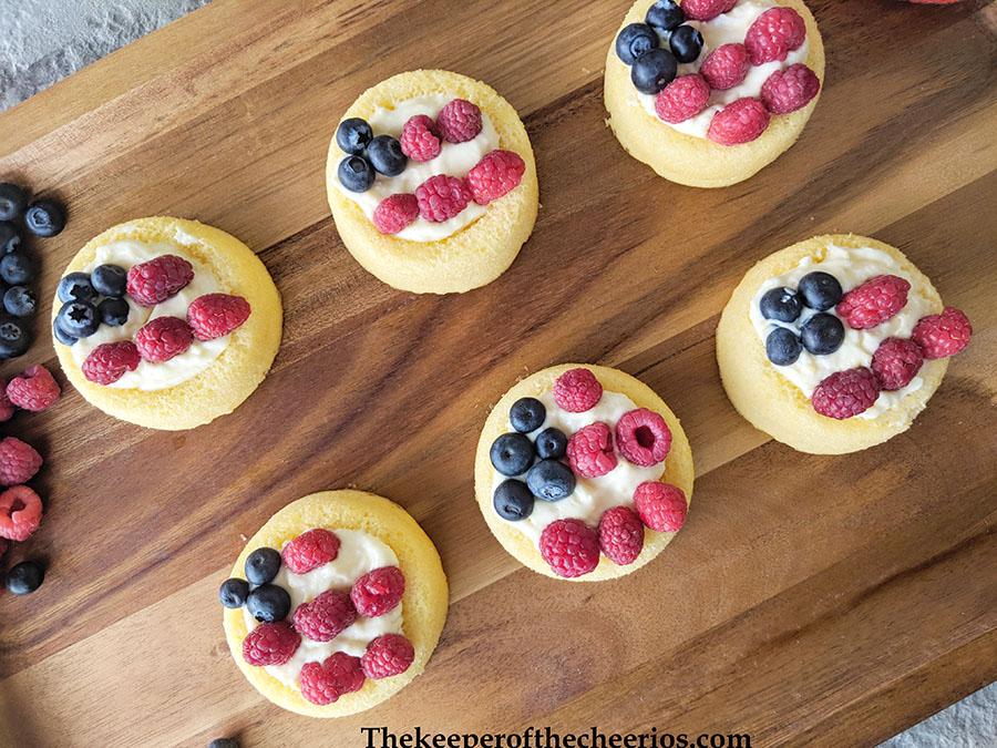 patriotic-cream-cheese-fruit-tart-7